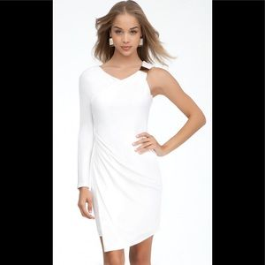 BEBE GODESS ONE SHOULDER WHITE RUCHED DRESS SIZE S
